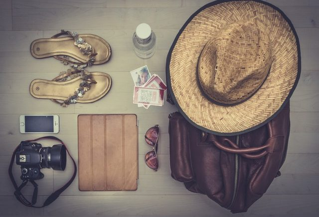 Pack your carryon bag like a pro with this checklist - FREETOBEBRI.COM